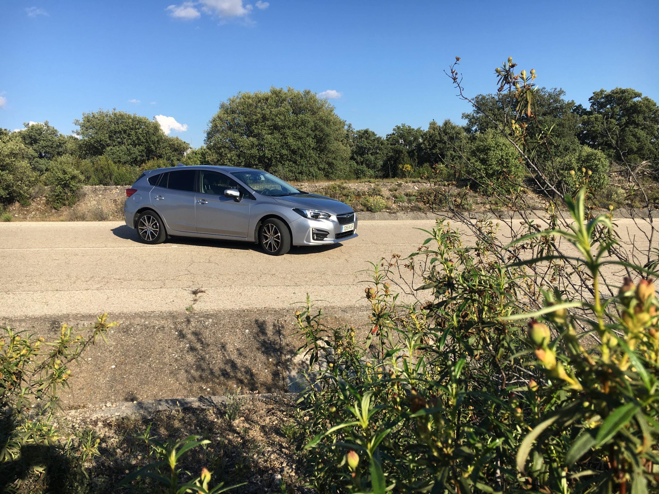 Subaru Impreza 1.6 i, construido con la cabeza