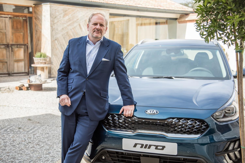 """EDUARDO DÍVAR Director General de KIA Motors Iberia: """"EN DOS O TRES AÑOS PODREMOS ALCANZAR UNAS VENTAS ANUALES DE 100.000 COCHES ELECTRIFICADOS EN ESPAÑA"""""""