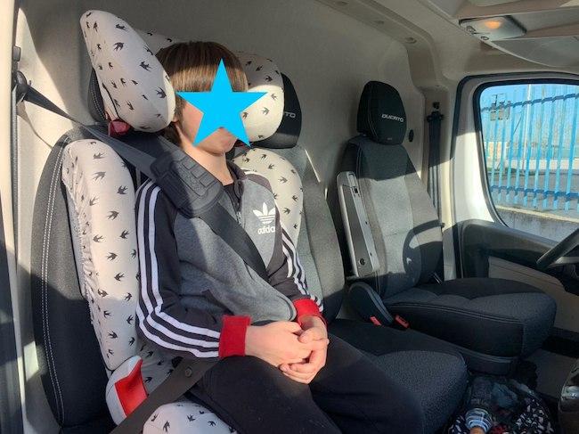 ¿Cómo llevar al niño en la furgoneta del trabajo?