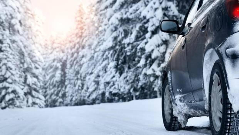 4 consejos para la conducción con hielo y nieve