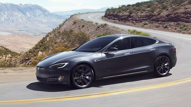 Tertulia AutoFM: El Tesla Model S Long Range propone 646 km sin repostar y exclusivo Ford Mustang Mach1